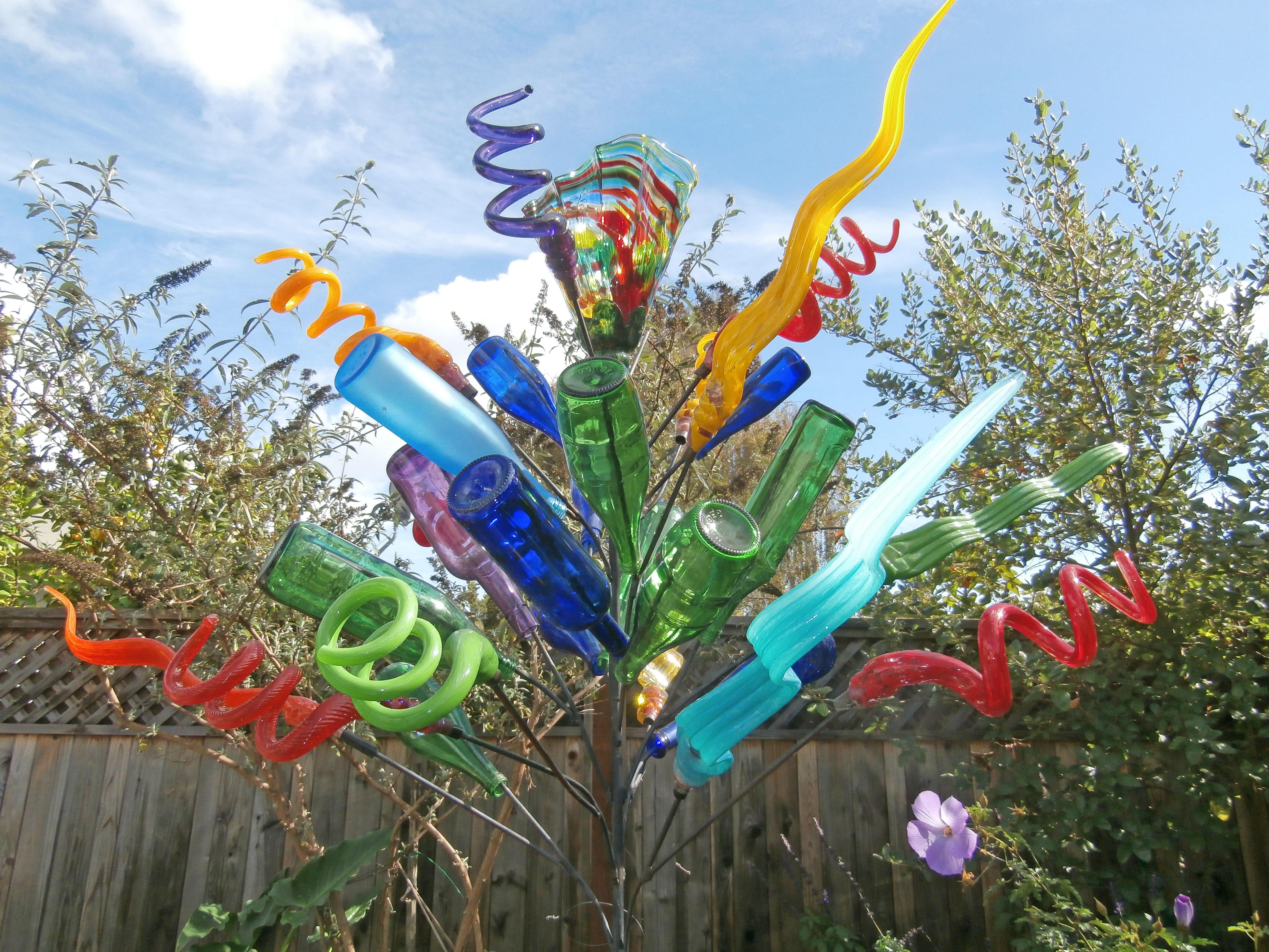 Bottle Trees.Current Day Similar Bottle Tree. Bottle Tree Dreams In ...